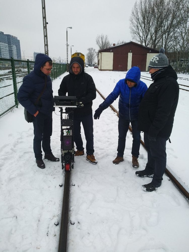Ultrasonic Rail Flaw Detector UDS2-77 presented to the Polish railway personnel