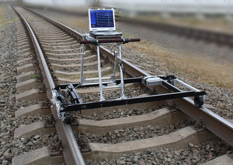 Eddy current flaw detector ETS2-77 on the rails