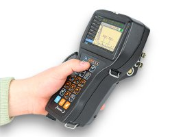 Portable ultrasonic flaw detector Sonocon B version «Thickness Gauge +» in the hand